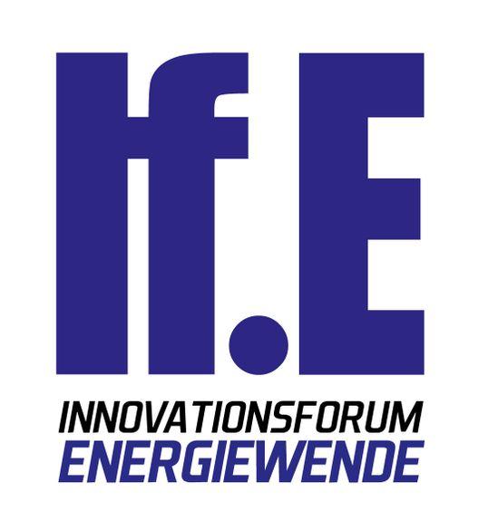 """Das Logo vom Innovationsforum Energiewende. Große dunkelviolette Buchstaben """"If.E"""" auf dem weißen Hintergrund."""