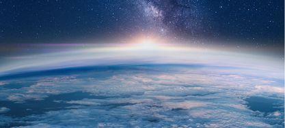 Teaserbild Milchstraße steigt über den Erdhorizont