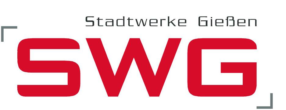 """Große rote Buchstaben """"SWG"""" auf dem weißen Hintergrund."""